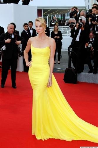 Cel mai bine imbracate staruri de la Cannes 2015 - Charlize Theron