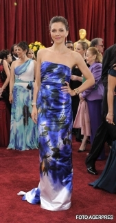 Maggie Gyllenhaal - Cele mai frumoase rochii de la premiile Oscar 2010