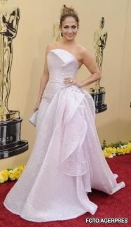 Jennifer Lopez - Cele mai frumoase rochii de la premiile Oscar 2010