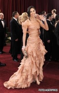 Demi Moore - Cele mai frumoase rochii de la premiile Oscar 2010